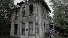 Abandoned House – Bedford, Kentucky. (Pictures of Abandoned Buildings in the Rust Belt.)