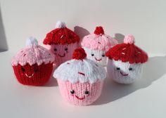Knitted Amigurumi Cupcakes - Free KNitting Pattern by Maiya knits