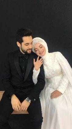 Muslim Wedding Gown, Muslimah Wedding Dress, Arab Wedding, Muslim Wedding Dresses, Bridal Dresses, Wedding Couple Poses Photography, Bride Photography, Couple Wedding Dress, Wedding Couples