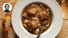 Try this recipe of delicious meatball stew from Christian Bégin. Meatball Stew, Meatball Recipes, Confort Food, Tasty Meatballs, Pork Dishes, Main Meals, Soups And Stews, Christian Bégin, Quebec