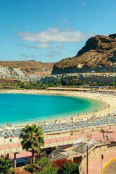 Vanaf de boulevard heb je het uitzicht op je cocktail en het strand van Playa del Inglés..☀ Dit gaat een hele mooie vakantie worden! Gran Canaria is onze favoriet!