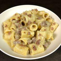 Half sleeves lined with potato cream and sausage. No Salt Recipes, Pasta Recipes, Cooking Recipes, Potato Recipes, Pasta Company, Ricotta Pasta, Sicilian Recipes, Sicilian Food, Good Food