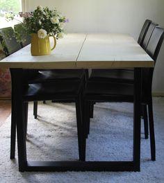 Kahdella 45cm lankulla ja kuultovalkoisella pintakäsittelyllä metallijalkainen pöytä Dining Bench, Kitchen Dining, Modern, Furniture, Home Decor, Homemade Home Decor, Kitchen Dining Living, Table Bench, Home Furnishings