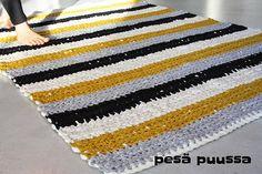 Crocheting a carpet