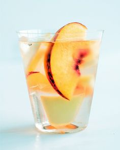 White wine sangria with Stella Rosa - Peach! Sounds yummy. I want to try it.