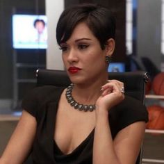 """""""Empire"""" key-makeup artist Karen Lynn Accattato gives advice to emerging makeup artists and shares how readers can re-create Boo Boo Kitty's sleek look. Grace Gealey, Pixie Styles, Short Styles, Long Hair Styles, Cut My Hair, New Hair, Hair Flip, Empire Hair, Essence Magazine"""