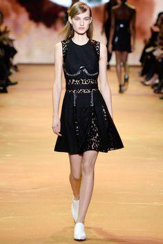 2016-17秋冬プレタポルテコレクション - ミュグレー(MUGLER)ランウェイ|コレクション(ファッションショー)|VOGUE JAPAN