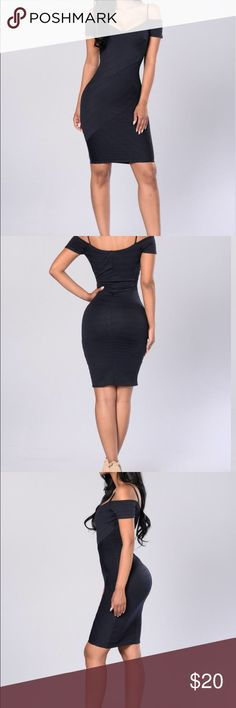 Fashion Nova Candlelit Dinner Dress - Navy Wore it once at a wedding, had many compliments. Very beautiful dress Navy blue dress. Fashion Nova Dresses Midi