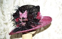 I love this pink and black  hat!