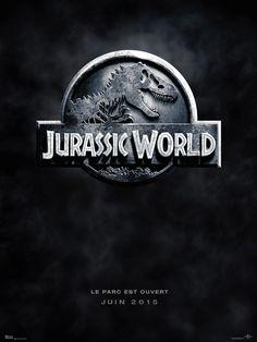 [Juin 2015] L'Indominus Rex, un dinosaure génétiquement modifié, pure création de la scientifique Claire Dearing, sème la terreur dans le fameux parc d'attraction. Les espoirs de mettre fin à cette menace reptilienne se portent alors sur le dresseur de raptors Owen Grady et sa cool attitude.