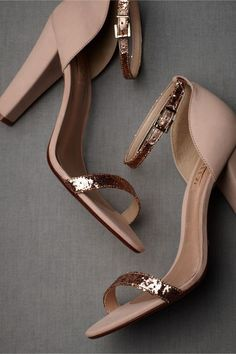 Complete your wedding day look with a pair of classic bridal shoes. BHLDN offers wedding heels that are as beautiful as they are comfortable, no matter your venue. Shop wedding shoes for the bride now! Fancy Shoes, Pretty Shoes, Formal Shoes, Beautiful Shoes, Cute Shoes, Me Too Shoes, Bridal Shoes, Wedding Shoes, Bridal Footwear