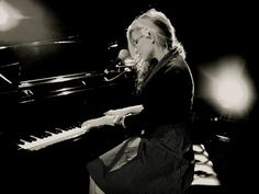 Melody Gardot-must experience her sound...
