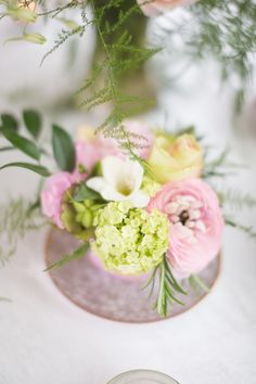 If your looking for your wedding flowers to an intrecal part of your wedding day contact Lamber de Bie, Dutch Master Florist.