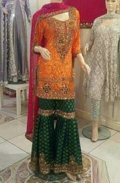 Indian fashion has changed with each passing era. The Indian fashion industry is rising by leaps and bounds, and every month one witnesses some new trend o Pakistani Mehndi Dress, Pakistani Wedding Outfits, Pakistani Dress Design, Pakistani Wedding Dresses, Indian Dresses, Indian Outfits, Pakistani Gharara, Punjabi Wedding, Mehendi