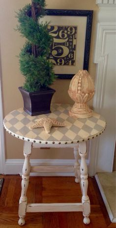 Items similar to RESERVED Vintage Round Side Table Hand Painted Cream And Grey Harlequin Pattern Distressed and Glazed on Etsy Shabby Chic Round Table, Rustic Side Table, Round Side Table, Shabby Chic Decor, Side Tables, Refurbished Furniture, Upcycled Furniture, Furniture Makeover, Cool Furniture