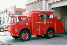 Rescue 7 - 1972 Ford C-750/Gerstenslager walk-in Heavy Rescue - 100gal - #F70115-1 Rescue 7 - 1972 Ford C-750/Gerstenslager walk-in Heavy Rescue - 100gal - #F70115-1 Rescue 7 was put into service on April 18, 1972. IFD purchased three Gerstenslager Rescue Squads that year with the others going initially to Rescues 14 & 17. In 1976 Squad 17 became Squad 29. Rescue 7's rig above was taken out of service in 1981.