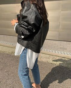 투 엘 브 (@2lve12) • Instagram photos and videos Moto Jacket, Backpacks, Jackets, Bags, Fashion, Down Jackets, Handbags, Moda, Fashion Styles