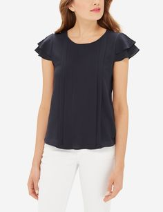 Layered flutter sleeves put a little fun in the workday! Pair this ladylike top with classic bootcut work pants to take it to the office. All Fashion, Womens Fashion, Middle Aged Women, Flutter Sleeve Top, Stylish Outfits, Work Outfits, Shirt Blouses, Tunic Tops, Vestidos