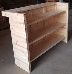 Use Pallet Wood Projects to Create Unique Home Decor Items – Hobby Is My Life Palet Bar, Wood Pallet Bar, Wooden Pallet Furniture, Bar Furniture, Wood Pallets, Outdoor Furniture, Diy Projects Made From Wood, Diy Pallet Projects, Diy Home Bar