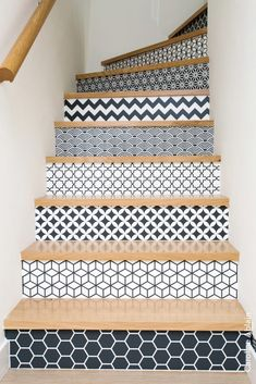 wallpapered and tiled staircase design and decor ideas - Most staircases are overlooked when it comes to decorating, yet it is one of the first areas you see when you enter a house or maisonette flat. Whether you're thinking about replacing or installing a brand new staircase, or just want to jazz up your space with some simple DIY ideas, make the most of the space you have. You could incorporate some extra storage under the stairs by fitting shelves, cupboards, drawers or even a whole…