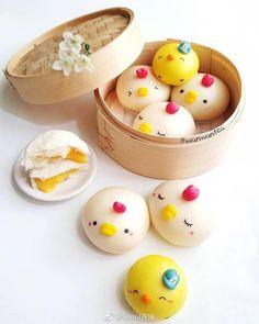 Custard filled chick steamed buns by WanwanTea ( Cute Desserts, Delicious Desserts, Dessert Recipes, Yummy Food, Steamed Cake, Steamed Buns, German Cookies, Cute Buns, Kawaii Dessert
