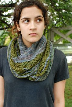 Great shawl pattern! Photo displays it wrapped like a cowl. I love the single color idea further down the page.