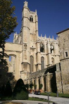 Narbonne :  Cathédrale Saint Just Saint Pasteur. Retrouvez toutes les annonces immobilières à Narbonne sur le site de la Fnaim de l'Aude : http://www.fnaim-aude.fr/immobilier-narbonne/