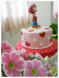Strawberry Shortcake Strawberry Shortcake Birthday Cake, Strawberry Shortcake Cartoon, Strawberry Baby, 1st Birthday Cake Smash, Birthday Cake Girls, Birthday Parties, Cupcake Cakes, Cupcakes, Girl Cakes