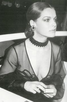Romy Schneider, a vague resemblance to young Caroline of Monaco