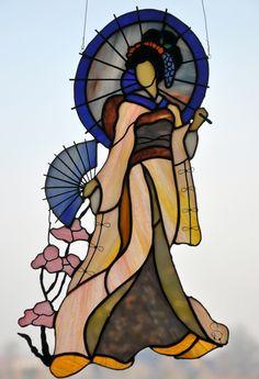 Galeria RSArt Stained glass - geisha. Faux Stained Glass, Stained Glass Designs, Stained Glass Panels, Stained Glass Projects, Stained Glass Patterns, Leaded Glass, Mosaic Art, Mosaic Glass, Asian Quilts