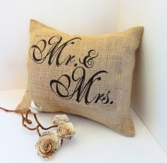 Think this would be a cute gift to a couple, or even décor for a western wedding.