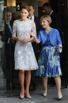 Beautiful dress worn by the Duchess of Cambridge.  Would be nice to copy using Colette Patterns Peony, lace overlay.