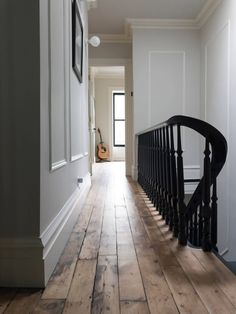 The Insider: Modern Minimalist Design Blends Seamlessly Into Victorian Townhouse in Bed Stuy Modern Victorian Homes, Modern Georgian, Georgian Homes, Modern Victorian Bedroom, Modern Homes, Victorian Stairs, Victorian Townhouse, Victorian Terrace, Georgian Interiors