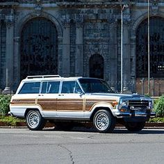 This would be the ultimate Interior Designer vintage work car!  Loving a woody wagon!