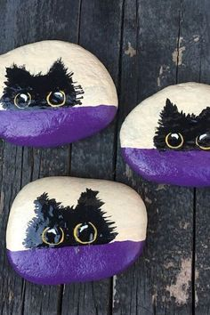 50 Inspiring DIY Painted Rocks Animals Cats for Summer Ideas 38 Pebble Painting, Pebble Art, Stone Painting, Diy Painting, Painted Rock Animals, Painted Rocks Craft, Hand Painted Rocks, Mandala Painted Rocks, Rock Painting Ideas Easy