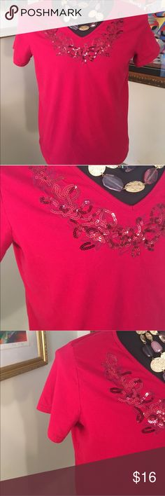 🎁BASIC EDITIONS SEQUIN TOP 💯AUTHENTIC BASIC EDITIONS LOVELY EMBELLISHED TOO 100% AUTHENTIC. STUNNING AND STYLISH TOTALLY ON TREND. SO PRETTY. THE COLOR IS KIND OF A MAGENTA OR DEEP RED. THE SIZE IS LARGE. Basic Edition Tops
