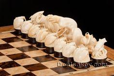 Резные шахматы. Шахматные комплекты из бивня мамонта. Портретное сходство. Эксклюзивные произведения. Мастер Денис Исаков.