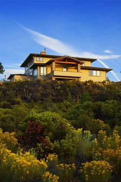 BEAUTIFUL HOME ON TOP OF HILL BY HANSMANN CONSTRUCTION