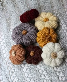 The Slanted Life: Crocheted Pumpkins!! I love pumpkins!!! Free Pattern! ༺✿ƬⱤღ✿༻