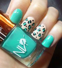 Nageldesign in Grün und Beige zeichnen #nails #design #nageldesign #idee #wonderful
