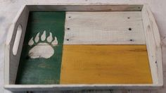 If your guests don't already know who you root for, they sure will after you serve them with this #BaylorProud tray.