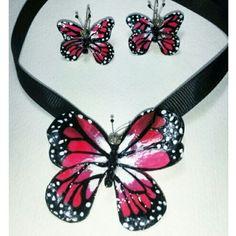 Collar de mariposa Rosado