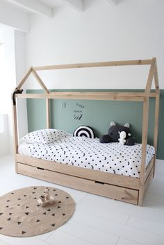 Manowoods is a new brand with handmade wooden decoration and toys. Toddler House Bed, Diy Toddler Bed, Boy Toddler Bedroom, Girls Bedroom, Boys Room Decor, Boy Room, Baby Room Design, House Beds, Big Girl Rooms