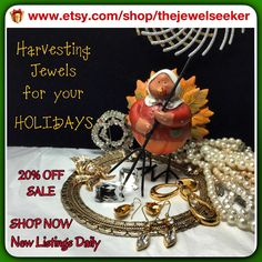 We started our Holiday Sale early, so come take advantage of the super discount!   Happy Holidays! #photochallenge#teamlove #vintage#jewelry #vintagefallfashion www.etsy.com/shop/thejewelseeker