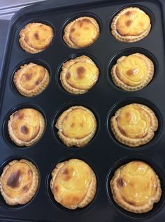 Try these typical Portuguese Custard Tarts. Filled with a delicious cream sprinkled with cinnamon and sugar, it's impossible to resist. Portugese Custard Tarts, Portuguese Custard Tart Recipe, Portuguese Tarts, Portuguese Recipes, Turkish Recipes, Mini Pie Recipes, Puff Pastry Recipes, Tart Recipes, Sweet Recipes