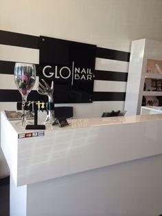 Cool Salons: Glo Nail Bar in Costa Mesa, Calif. Nail Salon Design, Nail Salon Decor, Beauty Salon Decor, Salon Interior Design, Beauty Salon Design, Interior Design Gallery, Nails Bar, Hair Salon Interior, Nail Room