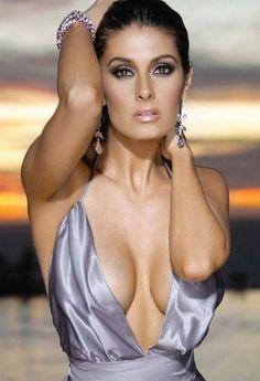 Mayrin Villanueva
