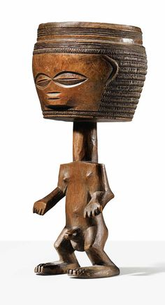 Africa | Anthropomorphic cup from the Mbuun people of DR Congo | Wood. H: 17 cm | ca. 1925 or earlier