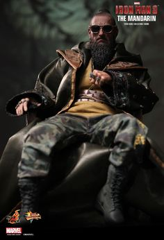 The Mandarin Sixth Scale Collectible Figure by Hot Toys from Iron Man 3 is now available at Planet Action Figures. Iron Men, Joe Biden, Président Snow, Regional, Le Mandarin, Cluedo, Ben Kingsley, Green Boots, Brown Vest