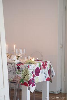 Dinner party and girls night with Finlayson: http://divaaniblogit.fi/charandthecity/2014/03/26/finlayson-kevatkarkelot/